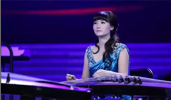 古筝演奏家付娜(21根琴弦上弹出的人生)